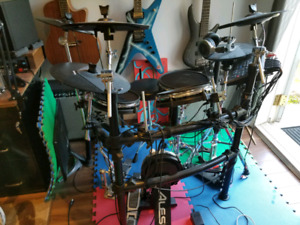 Alesis DM10 Studio E-Drum Kit w/ Mesh Heads