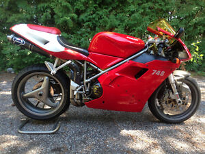 2001 Ducati 748 RED / New Tires / Safety / Valve Adjustment