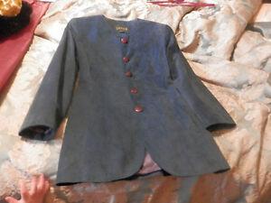 Danier Leather woman's suede blazer blue $50 size small