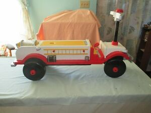 child's riding fire truck Sarnia Sarnia Area image 3