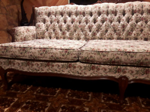 VICTORIAN STYLE SOFA AND LOVE SEAT