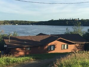 Beautiful Cabin on Waterfront For Sale