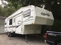 READY TO GO SOUTh - 1/2 ton towable Golden Falcon Fifth Wheel