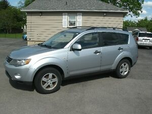 2007 Mitsubishi Outlander LS: Only 127Kms 4x4, Drives Great!