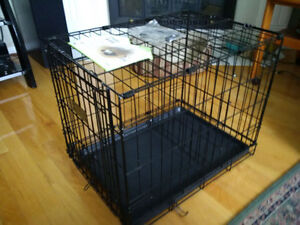 """Dog Crate in Like New Condition 25.5"""" L X 17.5""""W X 19.5""""H"""