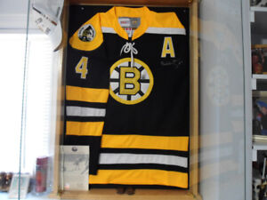 """Bobby Orr Autograph Jersey and Picture """"The Goal"""""""