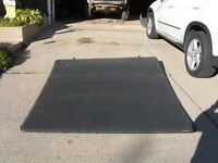 ***PRICE REDUCED****Trifecta Trifold Tonneau Cover