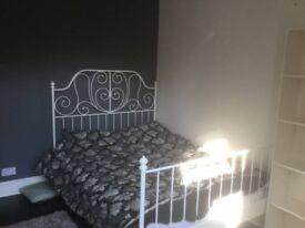 Room in three bedroom terrace in Kirby Muxloe