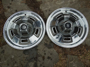 1967 Plymouth GTX hubcaps