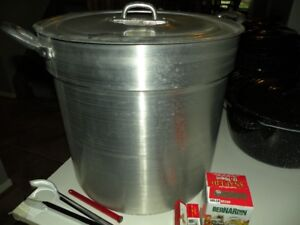 Large aluminum commercial grade pot