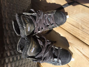CCM kids Skates size 11J. In great condition.