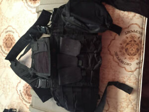 AIRSOFT- black chestplate