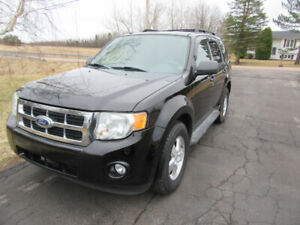 2010  ESCAPE   XLT  3.0 L  AUTO  AWD  ONLY  90 KM