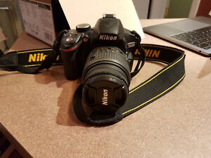Nikon D3200 Like New w/ tripod and 32 GB SD card