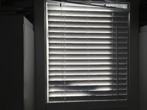 """2 sets of Faux wood blinds - 27.5"""" x 40"""""""