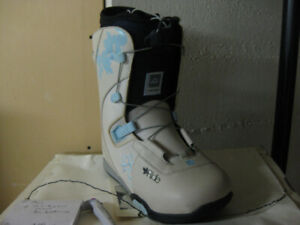 Women's Ride Snowboard Boots (Size 10 US) - Near-Mint condition