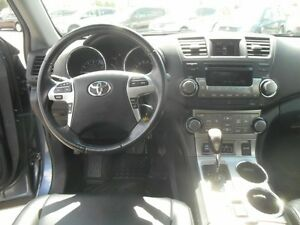 2012 Toyota Highlander Sport 4WD Peterborough Peterborough Area image 12