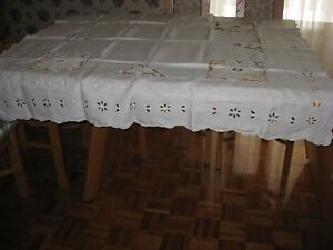 SUPER BELLE NAPPE POINTS RICHELIEU VINTAGE ET BRODERIE