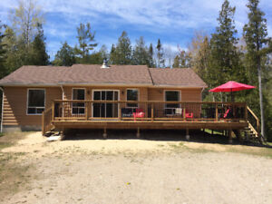 400 meters to Sauble Beach For rent 3 bedroom cottage rental