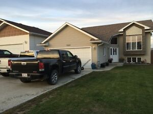 Home in Shaftesbury Estates - Peace River (for sale by owner)