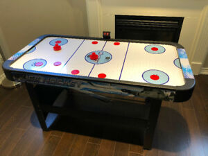 Face-Off 5-Foot Air Hockey Game Table