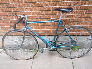 Vintage bianchi road bike made in italy sakae custom shimano 600