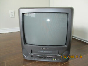 TV with integrated VCR