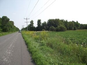 Ideal building lot for sale just outside Orillia.