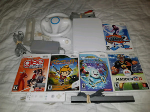 For sale Nintendo Wii bundle complete. Pick up only