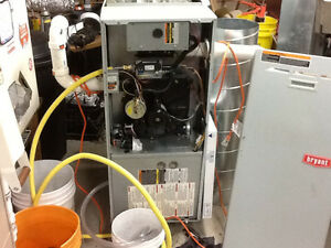 Bryant high efficient natural gas furnace in excellent condition Cambridge Kitchener Area image 1