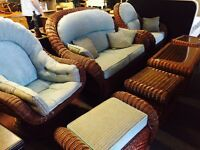 As new stunning 7 pice heavy wicker sofa set
