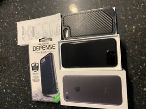 iPhone 7 32GB with extras, like new