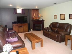 Beautiful Goderich 4 Bedroom 3 Bathroom Home Large Family Room Stratford Kitchener Area image 10
