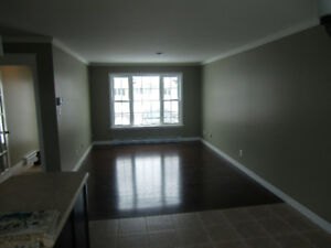 Beautiful and bright spacious 3 bedrooms apartment for Rent