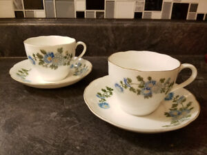 "PAIR OF BLUE FLOWER BOUQUET PATTERN ""CHINA 999"" TEACUP & SAUCER"
