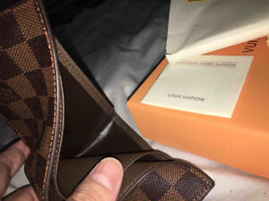 Louis Vuitton Monogram Wallet - Never used comes with box
