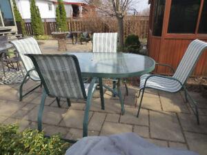 Ensemble patio en aluminium (ne rouille pas) vert.