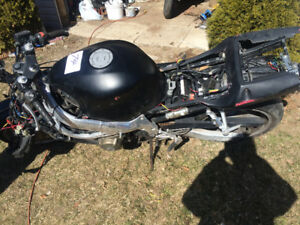Parting out 2000 Honda CBR 600 F4
