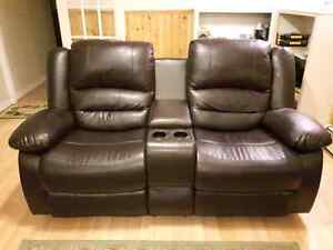 Recliner love seat and matching reclining chair
