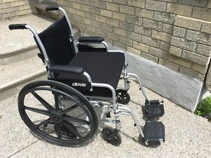 Drive Medical TR18 Transport Chair