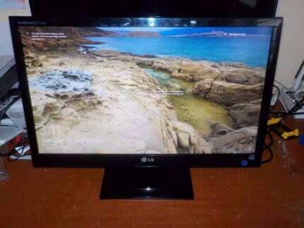 25 inch LG HD 1080p 3D monitor HDMI/DVI/VGA