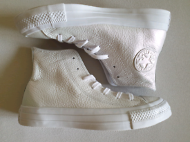 New leather Converse All Star size Uk 3