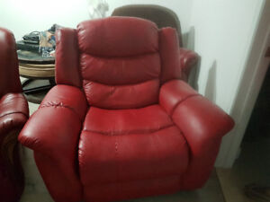 Fauteuil rouge inclinable