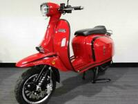 ROYAL ALLOY GT 125cc A Modern Classic Retro Automatic Moped Scooter