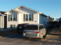Great bungalow in great neighbourhood - move in condition