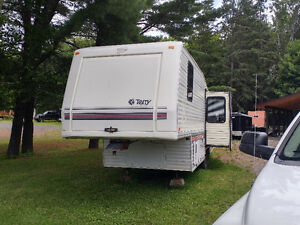 28.5 Terry Fifth Wheel