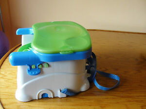 The Fisher-Price Healthy Care Deluxe Booster Seat Kitchener / Waterloo Kitchener Area image 4