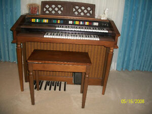 hammon organ with two keyboards and acoustic accompant Cambridge Kitchener Area image 1