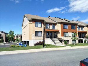4-1/2 Cozy Condo close to Dix30, from 1st September