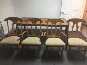 KItchen Table - 6 Chairs - Rarely Used/ Great Condition